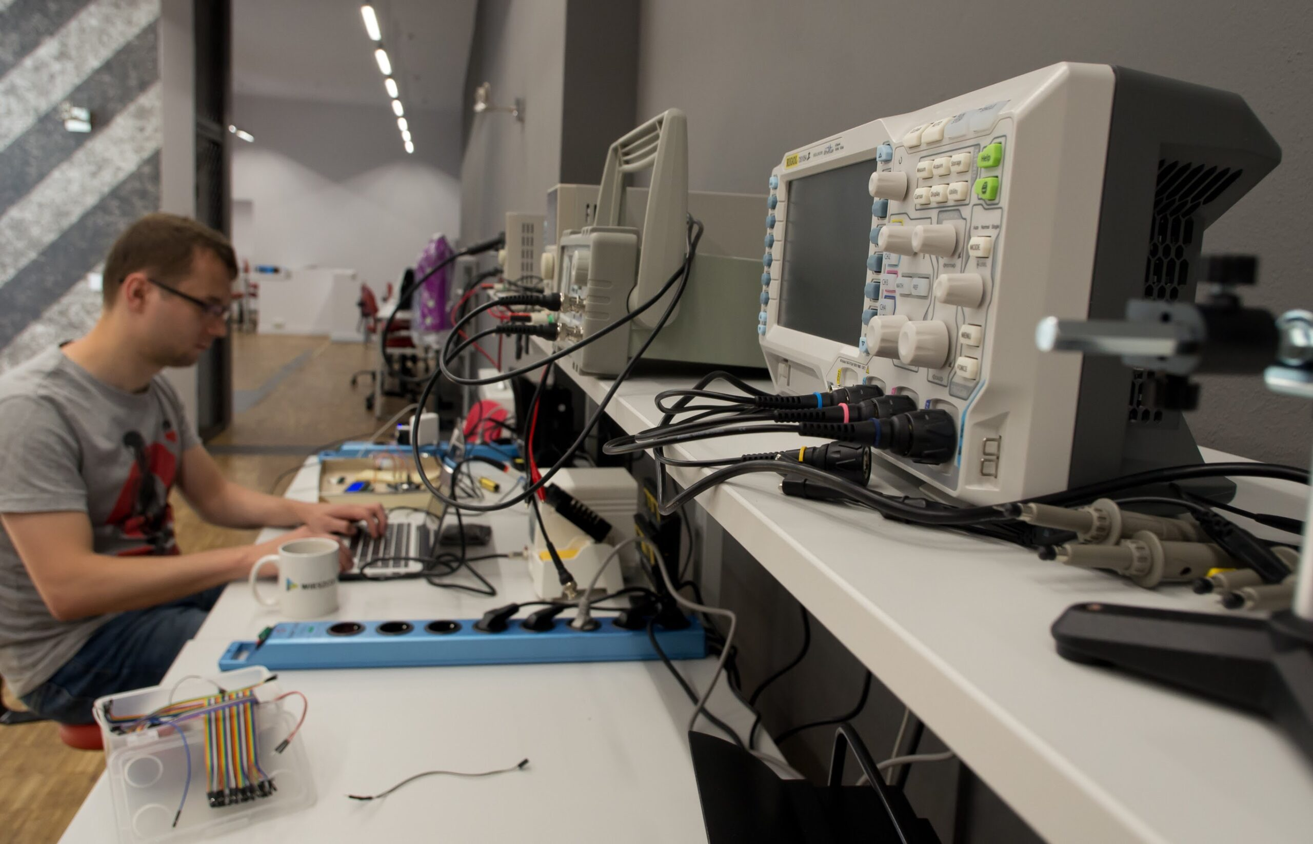 , FabLab Krakow Invites Hardware Makers To Learn, Experiment And Build Things